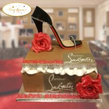 Louboutin-box-cake